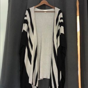 hM 3/4 sleeve light sweater